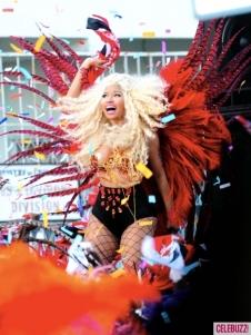 Nicki-Minaj-Dons-On-Bikini-for-Pound-The-Alarm-Video-Shoot-3-435x580