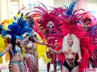 Nicki-Minaj-Dons-On-Bikini-for-Pound-The-Alarm-Video-Shoot-5-580x435