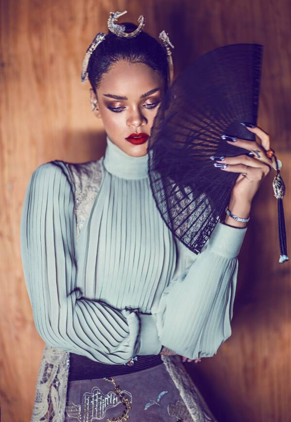 Rihanna-Harpers-Bazaar-China-Photo-Spread-2