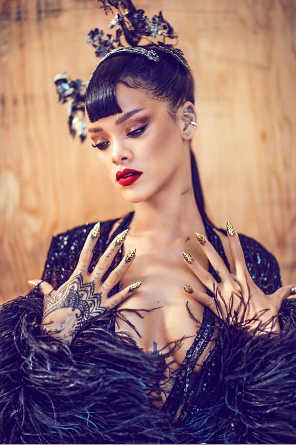 Rihanna-Harpers-Bazaar-China-Photo-Spread-6