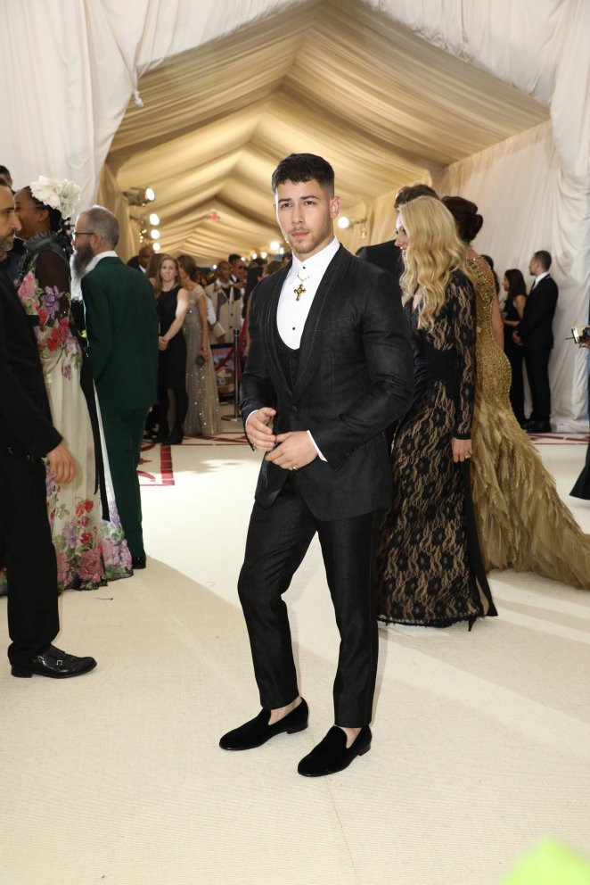 red-carpet-met-gala-3490-nick-jonas-superJumbo