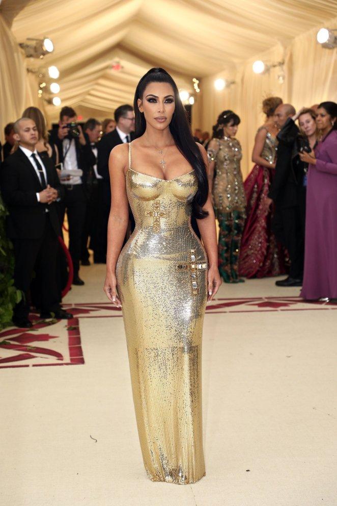 red-carpet-met-gala-4751-kim-kardashian-west-superJumbo-v4_nytimes_versace
